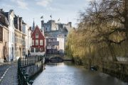Gent - canale con vista sul Castello dei Conti di Fiandra
