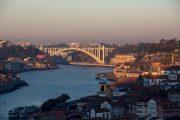 Oporto - vista da uno dei suoi ponti