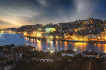 viaggio a Oporto di sera