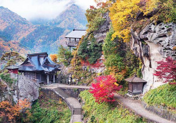 il tempio di yamadera in montagna